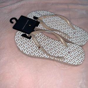 Tommy Hilfiger Darlee blush pink flip flops 5
